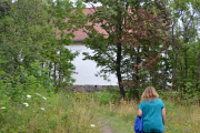 Hovedøya - Vi er framme, ser huset og det er stort