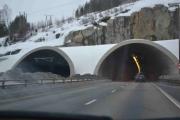 Andre tunellen vi kjører inn i, dem er ganske like