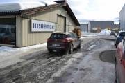 Nå tar vår personlige mekaniker bilen inn på verkstedet