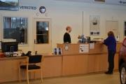 Vår kundemottaker sørger for påfyll av kaffe