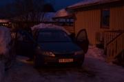 Legg merke til at de også kjører Renault og legg merke til at de har ikke så mye snø igjen på taket. Men ditt vi skal nå etterpå, der er det mye snø på taket
