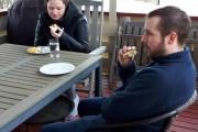 Da ble det selvfølgelig frokost ute i det fri og det smakte