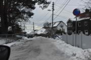 Vi er på Høyenhall og det første stykket her er en rotete vei