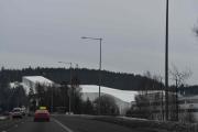 Ikke bare det, vi passerer Norges største hall som skal brukes til hva?