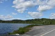 Vi tar en stopp ved Møkeren som er en innsjø på Austmarka i Kongsvinger