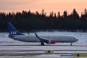 Morten 5 februar 2020 - LN-RRF som er et Boeing 737-85P som SAS flyr rett før det tar av