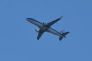 Morten 6 september 2020 - PH-EXL over Høyenhall, det er et Embraer E175STD som eies av KLM Cityhopper