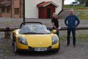 Fredag - Enda en norsk bil og de som står ved siden av har jeg aldri sett før. Det er en Renault Sport fra 1997, jeg ser også at denne bilen kaller vi Renault Spider