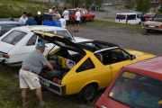 Lørdag - Renault 17 med nok av Renault effekter bak, soltak har den også