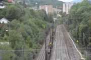 Når vi tar T-banen fra Høyenhall og nedover har du 2 sekunder på deg til å ta bilde av togskinnene vi passerer