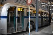 Men nå ser jeg 21 Skillebekk-bussen, den må vi ta en tur inn i