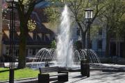 Tilbake til Bankplassen og den fine fontenen må vi ta et bilde av
