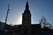 Jeg står foran Oslo Domkirke og må hjemme meg for solen, derfor litt motlys. Men tre bytrikker på en gang var ikke dårlig da