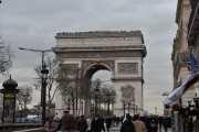 Triumfbuen, egentlig Arc de triomphe de l'Étoile er neste mål