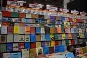 Titter du nøye her finner du minst 20 blader eller bøker med Renault