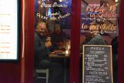 Ankomst Paris - At vi koser oss i Paris ser du her under middagen