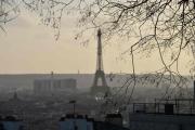 Siste dagen i Paris - Du kunne faktisk se Eiffeltårnet herfra og med dette takker vi for denne turen, nå er det flyet hjem til Norge