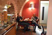 Frokost i Paris - Ikke noe å si på humøret til gutta