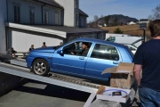 Neste mann kjørte også ned, gikk så fort fordi han kjørte Renault eller er det en Volkswagen?