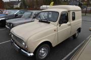 Så kommer det en Renault R4, skal jeg gjette modell sier jeg 1988