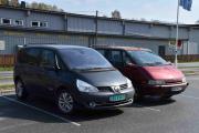 Ok, tar begge med en gang. Fra venstre - Renault Espace 2006 modell og Renault Espace 1997. Ser dere forskjellen?