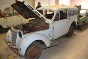 Renault AHG med panseret åpent