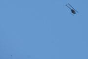 Morten 15 juli 2021 - Helikopter over Høyenhall, han flyr forbi, nå er den nede til venstre