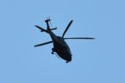 Morten 19 juli 2021 - Politihelikopter over Høyenhall, litt for mørkt til å identifisere denne