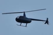 Morten 23 juli 2021 - LN-OSS besøker Høyenhall, det er Robinson R44 Raven I fra 2005 som kommer og besøker oss