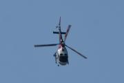 Morten 24 juli 2021 - LN-OFY hilser på oss på Høyenhall, den bukker til meg, det har aldri et helikopter gjort til meg før