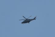 Morten 25 juli 2021 Politihelikopter over Høyenhall på kvelden, nå er han på vei til Taraldsrud