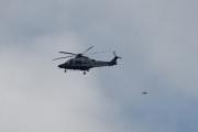 Morten 8 august 2021 - Politihelikopter over Høyenhall, men jeg klarte å få den med en fugl
