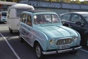 Renault 4 med campingvogn på slep