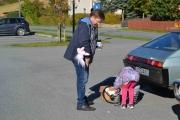 Noen barn må slave skal gamle biler bli til :-)