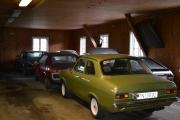 Det er ikke bare Renault som står parkert her inne, men de fleste er veteranbiler