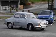 Neste er heller ingen smågutt, det er en Renault Dauphine B 1091 Gordini fra 1962. Jeg traff en på Ekeberg nå sist, som også hadde kjøpt seg en Renault Dauphine og lurte på om jeg så mange av den