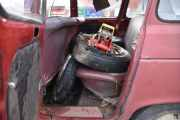 Eller kanskje ikke, de gamle hjulene til bilen ligger her