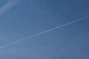 Morten 13 juli 2019 - Tre store fly over Høyenhall, men så dukker det opp et passasjerfly også nedenifra på bilde