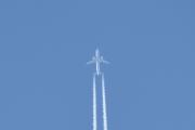 Morten 22 april 2019 - Jetfly over Høyenhall, er det røyk, damp eller iskrystaller vi ser da?