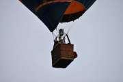 Morten 24 juni 2019 . Luftballong over Høyenhall og når de hilser på deg er det ordentlig koselig