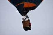 Morten 24 juni 2019 . Luftballong over Høyenhall, så vi følger dem litt