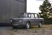Vi tar en tur rundt og ser hvem som har kommet vi. Her ser vi en Renault 8 som er ganske nyoppussa hvis jeg ikke tar feil