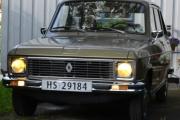 Renault 6 med gule lys