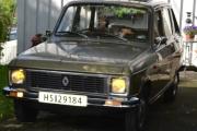 Renault 6 TL med gule lys