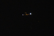 Morten 26 november 2020 - Et småfly over Høyenhall i mørket, og jeg har en mistanke på hvem det er men for å se det måtte jeg ha brukt et stativ