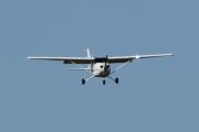 Morten 10 august 2021 - LN-TFK over Tønsberg flyplass, det er Tønsberg Flyveklubb som kommer med sitt Cessna 172S Skyhawk SP som jeg har fløyet i dag