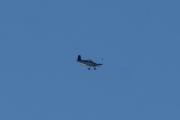 Morten 4 august 2021 - Småfly over Høyenhall, men jeg fikk han med en fugl når det ble litt blå himmel :-)
