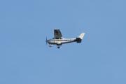 Morten 5 august 2021 LN-NFA for tredje gang over Høyenhall, Cessna 182Q Skylane II er i perfekt posisjon med en gang