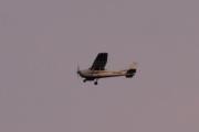 Morten 6 august 2021 - LN-NRF sent på kvelden over Høyenhall. Det er Nedre Romerike Flyklubb som er på vei til Kjeller med sitt Cessna Aircraft 172S Skyhawk