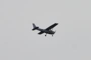 Morten 7 august 2021 - LN-NRF over Høyenhall, de flyr sitt Cessna Aircraft 172S og lærer sikkert opp en flyver som må ha flere flytimer
